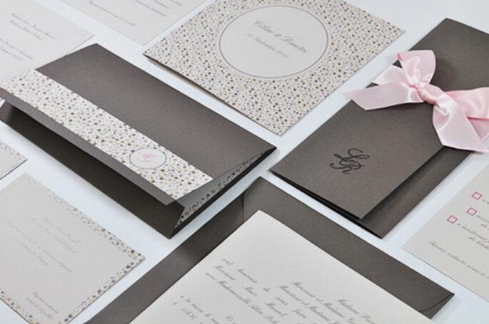 Faire-part de mariage taupe, grège et rose pour l'Art du Papier - Crédit photo : l'Art du Papier