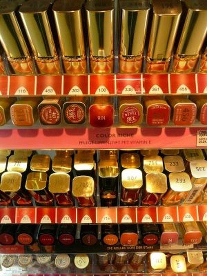 Auswahl an Lippenstiften - Foto: © Gabi Schoenemann  / pixelio.de