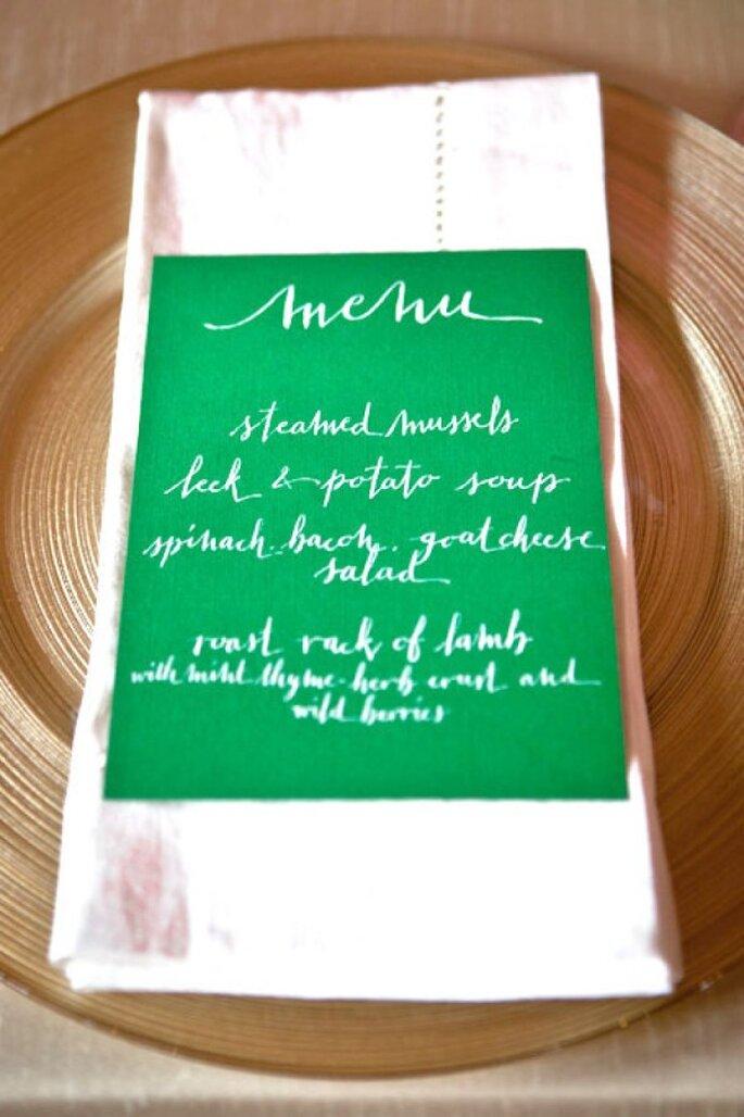 Menükarten aus Recyclingpapier für die Hochzeit - Foto Katie Cassidy Photography