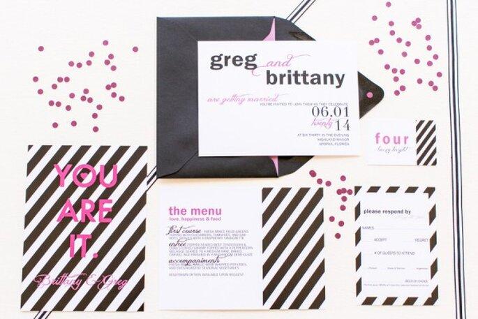 Un toque de rosa en tus invitaciones de boda - Foto Amalie Orrange Photography