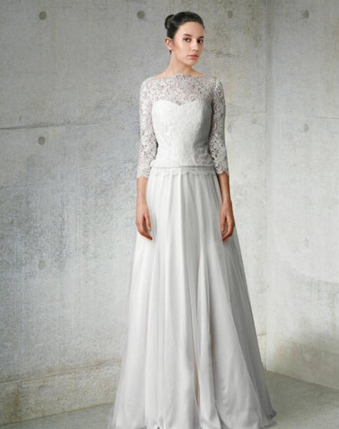 Robe de mariée vintage à manches longues. Photo via Noviamor
