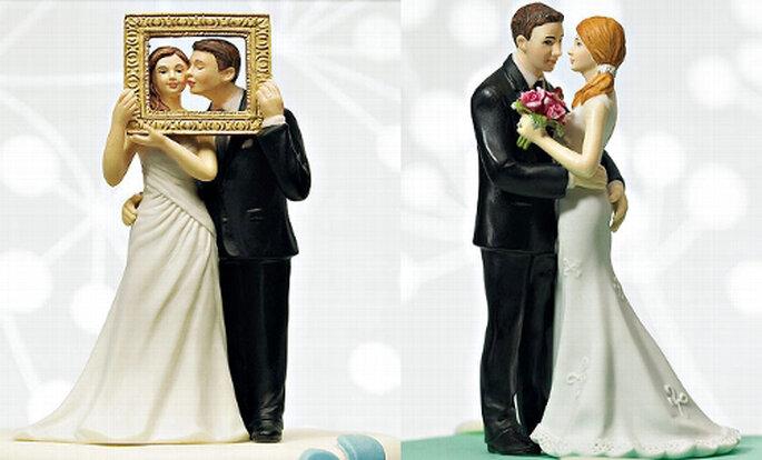2 (links) / 3 (rechts) Brautpaare aus dem Sortiment von weddix.de