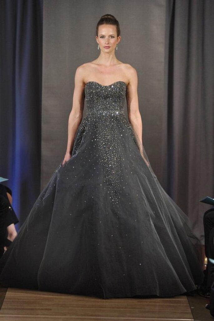 Vestido de novia en color negro con brillantes - Foto Ines Di Santo 2013