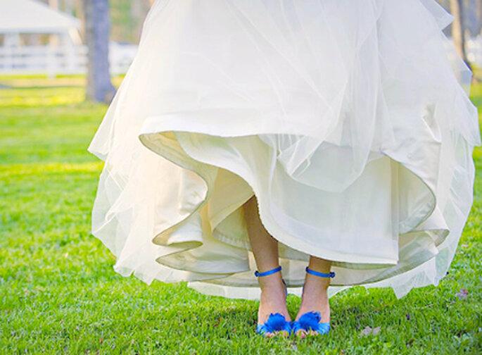 No temas llenar de color tus accesorios en el día de tu boda