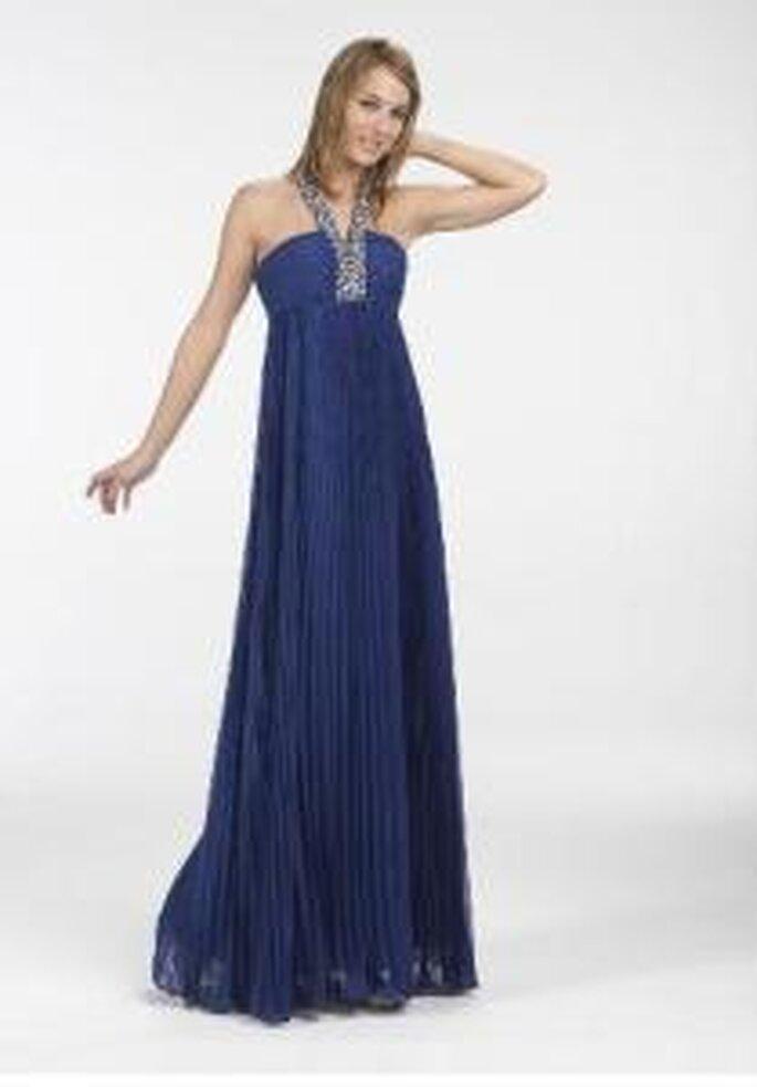 Novissima 2009 - Vestido azul largo de corte imperio, escote recto halter, con breteles en pedrería