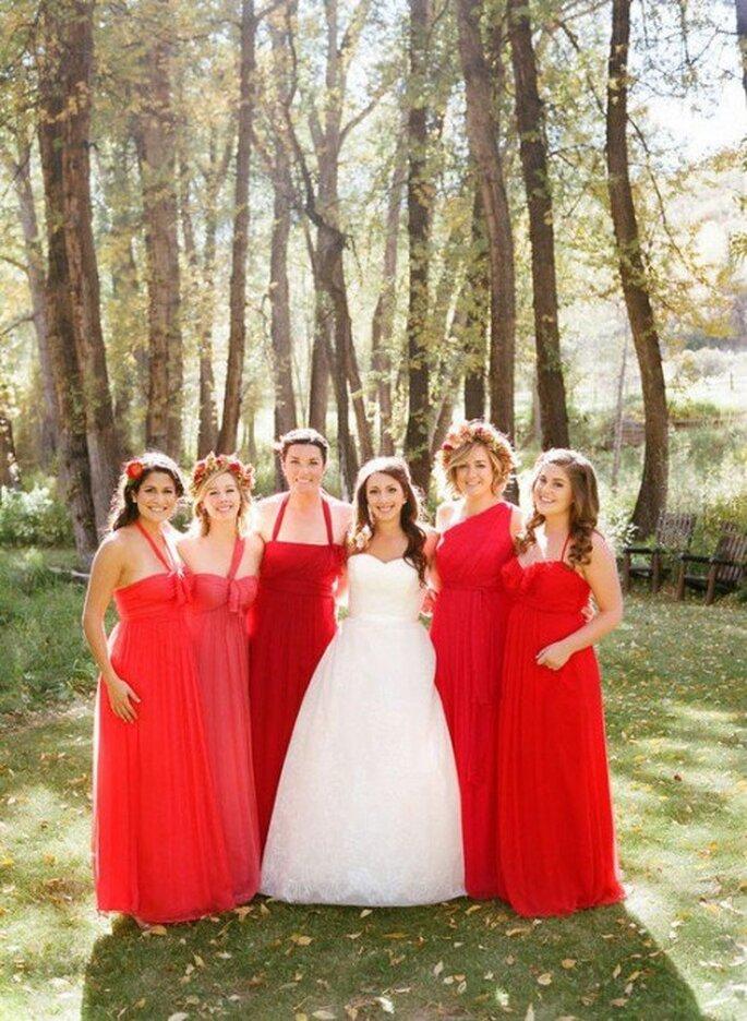 Vestidos de dama de diferente forma y color - Foto Amsale Bridesmaid Facebook