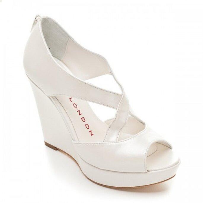 Zapatos de novia abiertos con plataforma - Foto Sacha London