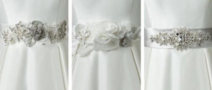 Accesorios para novia. Foto del sitio de Justin Alexander.