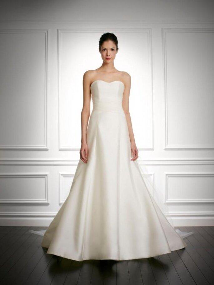 Vestido de novia otoño 2013 corte princesa, silueta sencilla y escote strapless - Foto Carolina Herrera