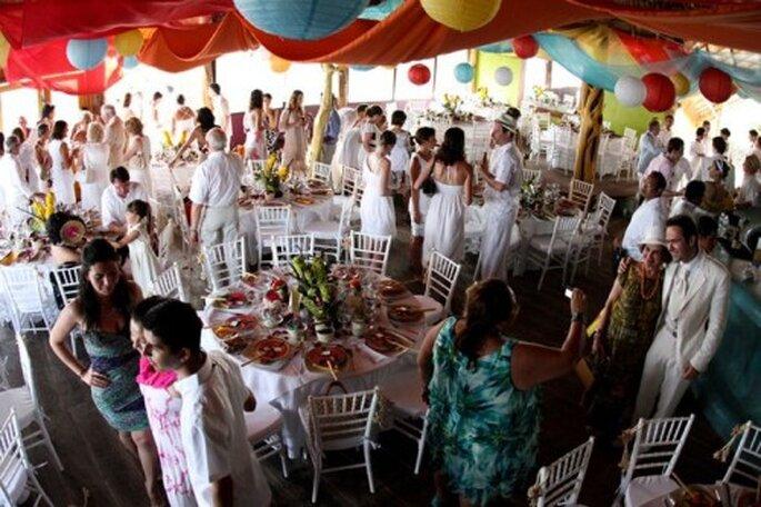 Tavoli, sedie, tutto deve intornarsi allo stile del vostro matrimonio - Foto Leven Foto