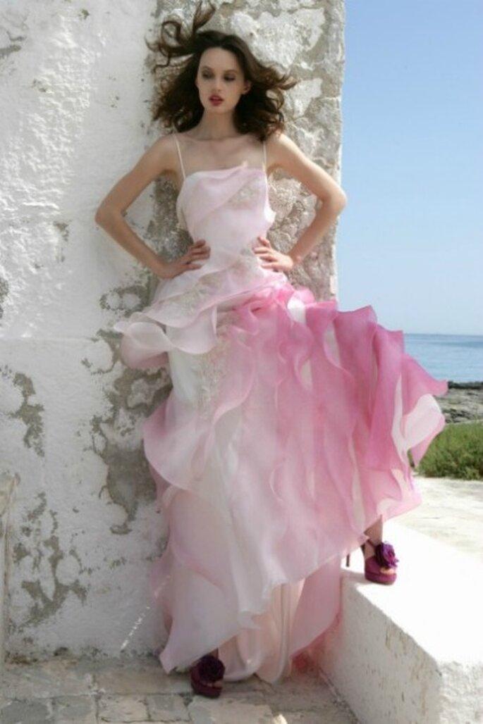 Vestido de novia 2012 de gasa, con tonos rosados en degradado