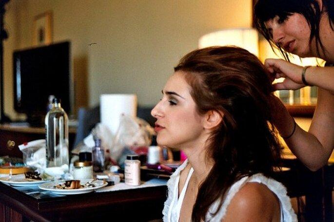 Ayuda extra para tu peinado de novia DIY - Foto Erica Zabowski en Flickr