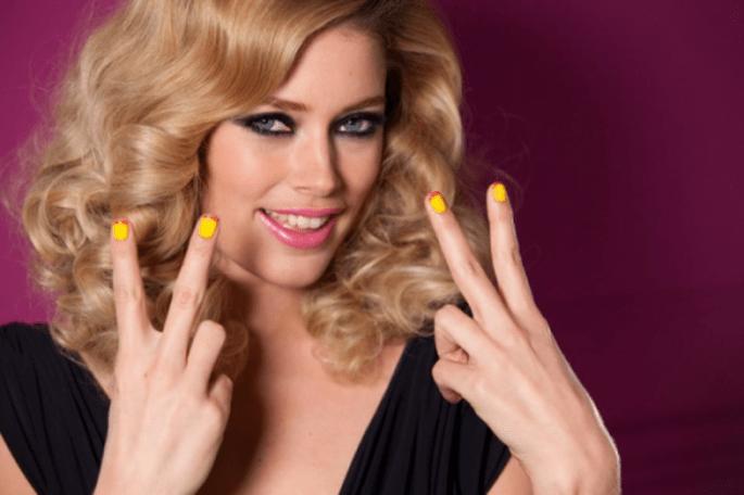 Uñas de colores, diseño francés. Color Richie Le Vernis - Foto Cortesía de L'oréal