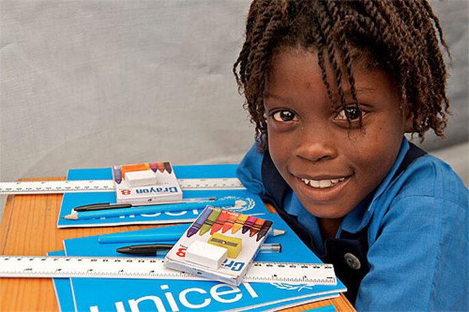 El Regalo Azul de UNICEF te permite darle un giro solidario a tus regalos de boda. Foto: UNICEF