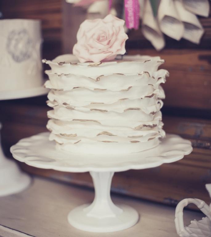 La tendencia de los mini cakes en el banquete de boda - Foto FJC Photo
