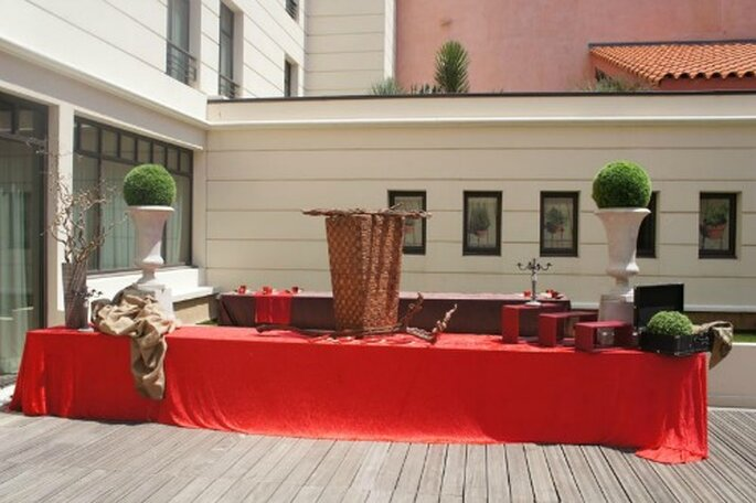 Décoration de mariage rouge - Photo : One Day Event