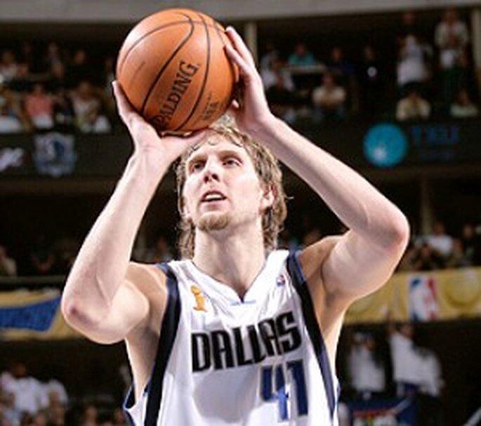 El jugador de Dallas Maveric, Dirk Nowitzki ,es uno de los mejores del mundo. Foto: Wikipedia