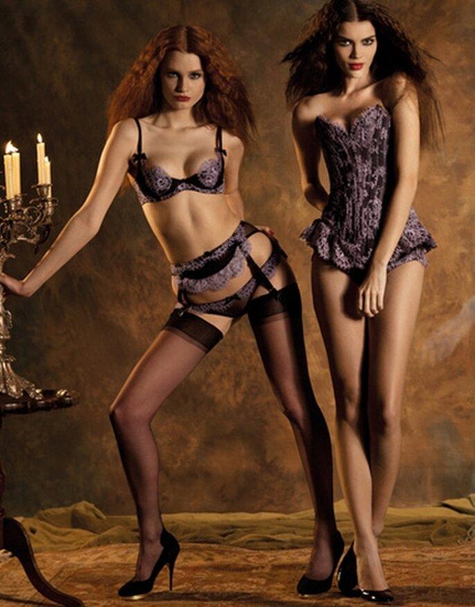 Viola e nero sono una proposta elegante e controcorrente di Agent Provocateur