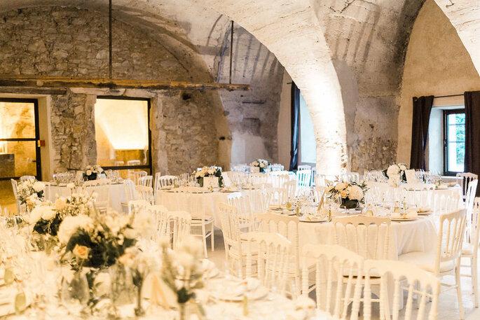 La salle de réception du Moulin de la Recense et ses voûtes lui offrant un charme unique