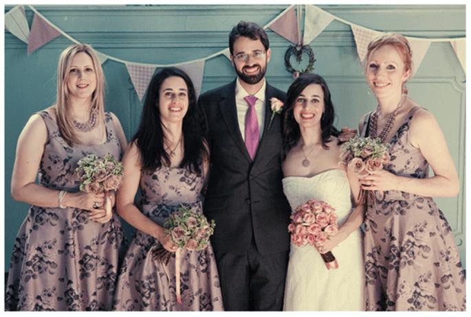 Vestidos estampados en tendencia para damas de boda - Foto Lee Robbins