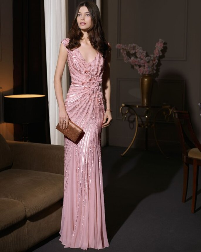 Vestido de fiesta 2014 en color rosa con mangas cortas y escote uve - Foto Aire Barcelona