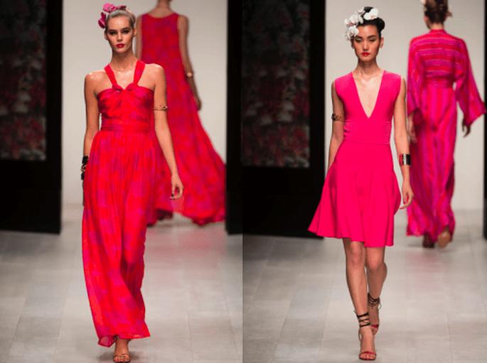 Vestidos de fiesta en color rosa intenso con escotes en V y hombros descubiertos - Foto Issa