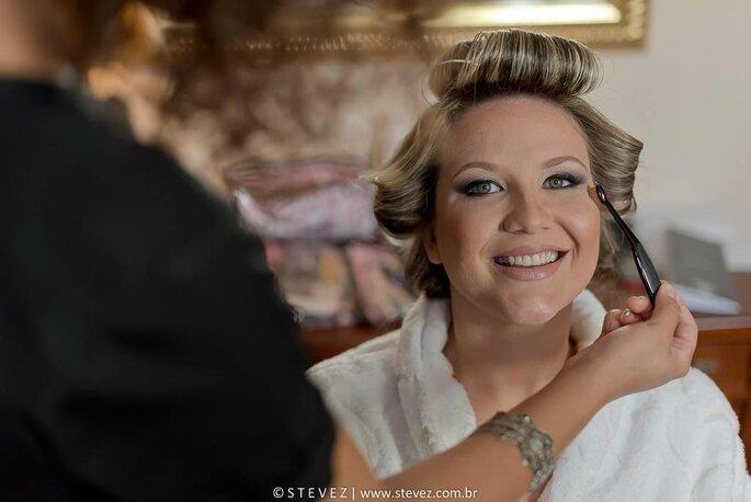 Maquiagem: Débora Medeiros - Sis Medeiros - Foto: Thiago Esteves - Stevez Produções