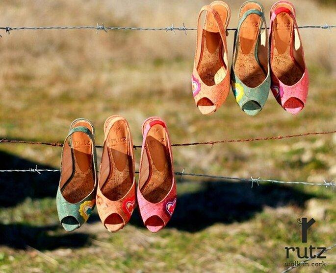 Esempi di scarpe da sposa in sughero. Foto: Rutz