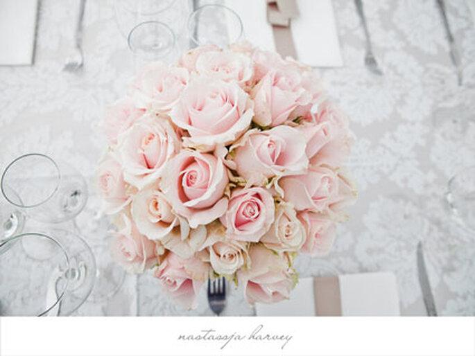 Tischdekoration rosa Rosen