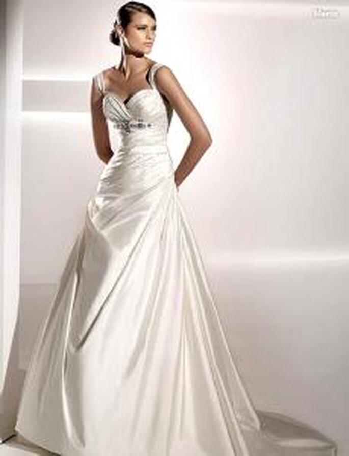 Pronovias 2010 - Menta, vestido largo en seda drapeada, fruncido lateral, escote corazón