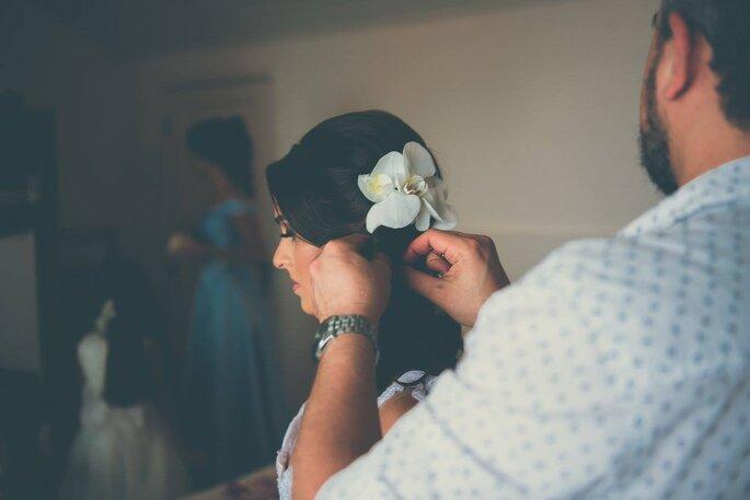 Noiva e acessório da cabeça