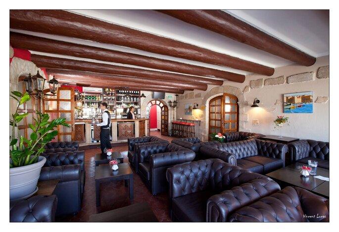 Le Club du Vieux Port - Mariage, Couple, Provence, Sud Provence, Lavande, Meilleurs lieux, salle de mariage, salle de réception