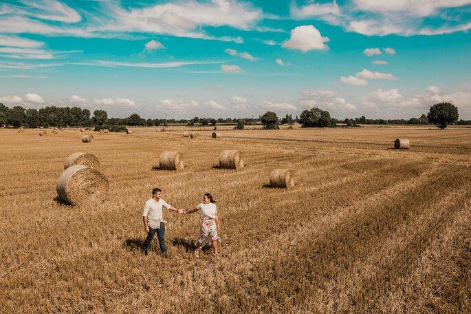 O mais importante no fim das contas é que o casal se identifique com esse profissional que irá fotografar o casamento