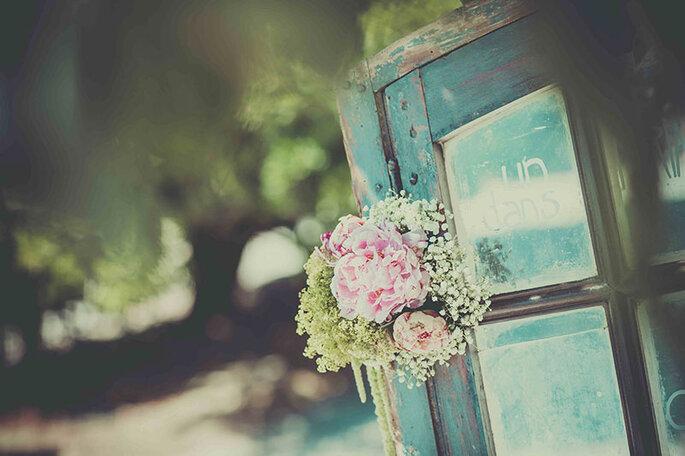 bouquets-fleurs-decoration-mariage-pivoines-gypsophiles-vintage
