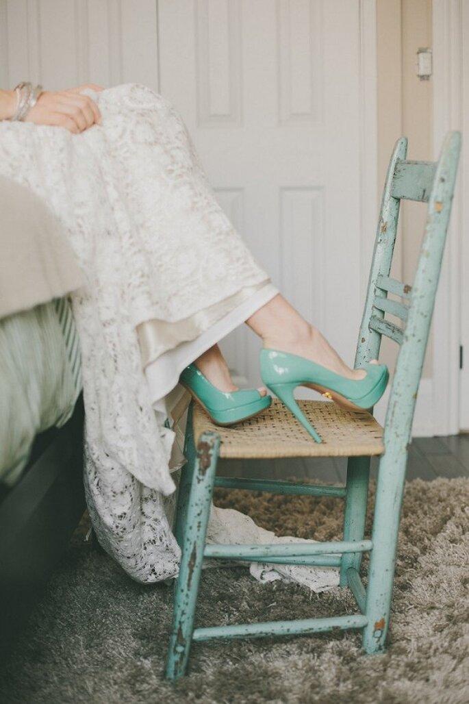 Zapatos de novia en lindos colores - Mango Studios