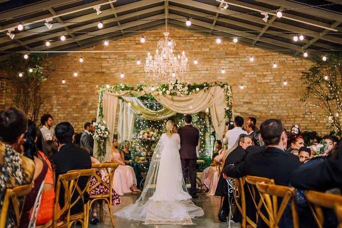 Como decorar a cerimônia do meu casamento em 5 passos