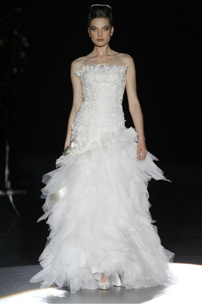 Vestido de novia Hannibal Laguna 2012 - Ugo Camera / Ifema