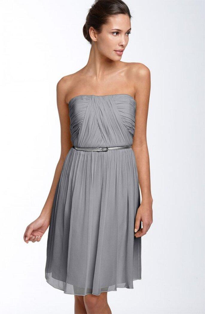 Vestidos elegantes en color gris para una boda en verano for Colores para combinar con gris