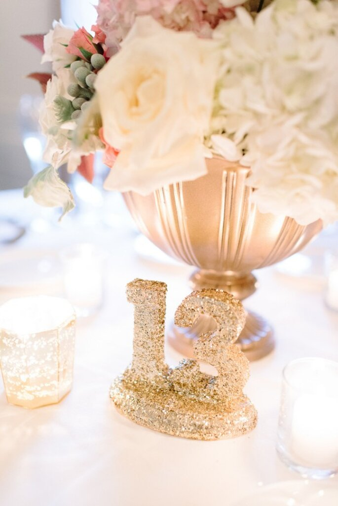 Glitter y pedrería en la decoración de tu boda - Foto Michelle Lange