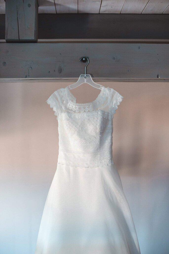 Photo originale pendant les préparatifs de la mariée