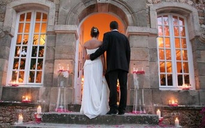 Arrivée romantique sur les lieux de la réception...