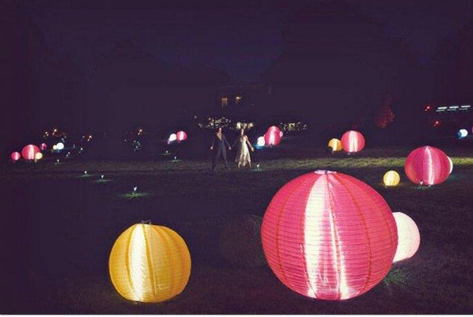 Lámparas japonesas. Foto: Green Wedding Shoes