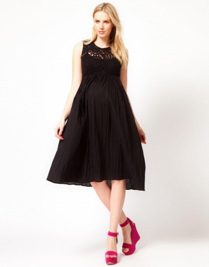vestido de fiesta en color negro y tela suave para invitada de boda embarazada - Foto ASOS