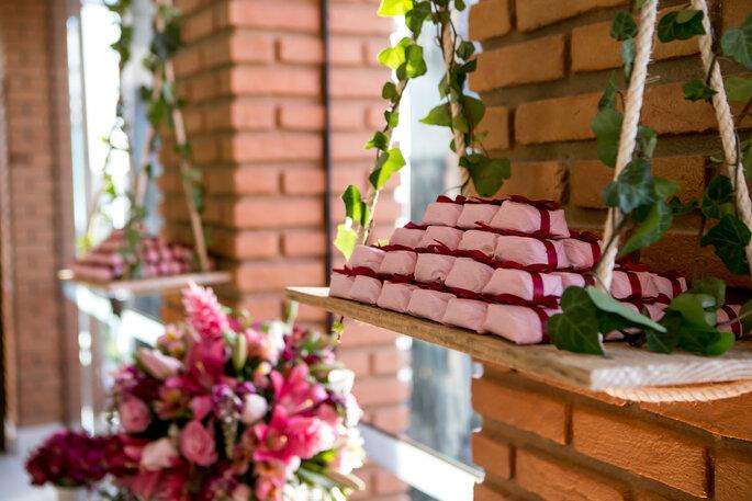 bem-casados em embalagem rosa