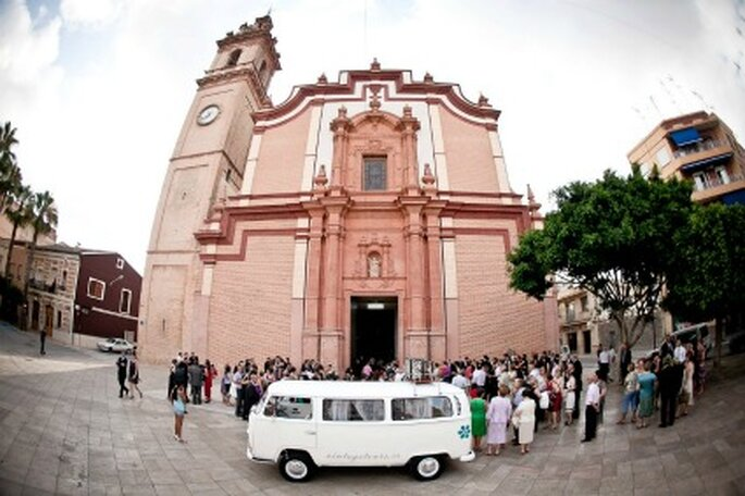 Boda de Jaume con la romántica VW Margharet, la alternativa al coche de novios - Vintage Tours
