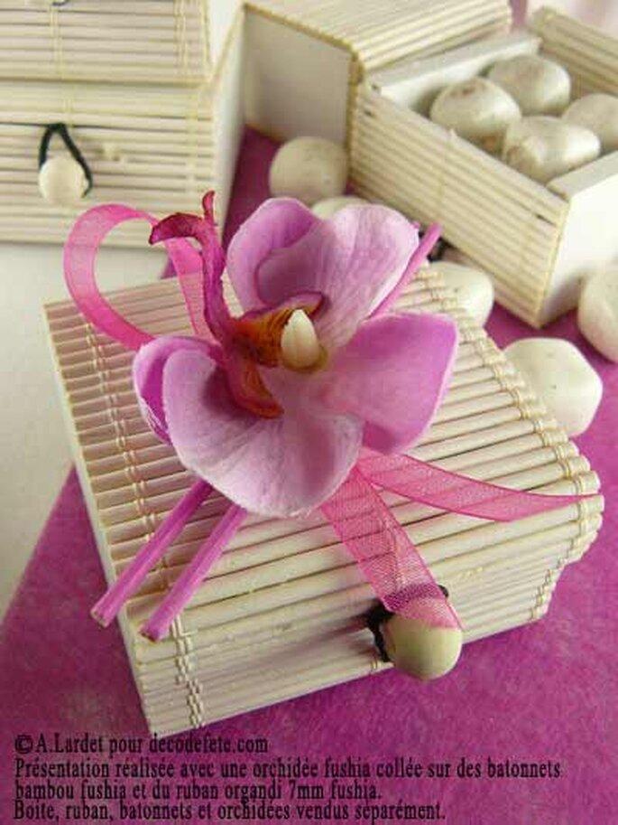 Rien de tel que de personnaliser ses boites à dragées - Photo : decodefete.com