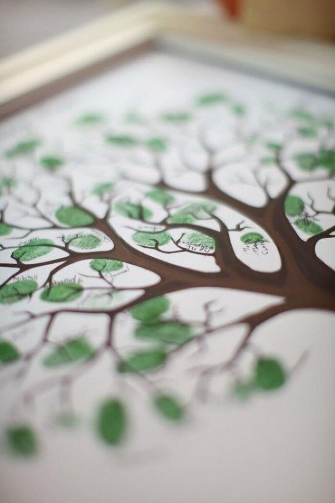 Kleiner Wunschbaum für das Brautpaar - Foto Alison Conklin Photography