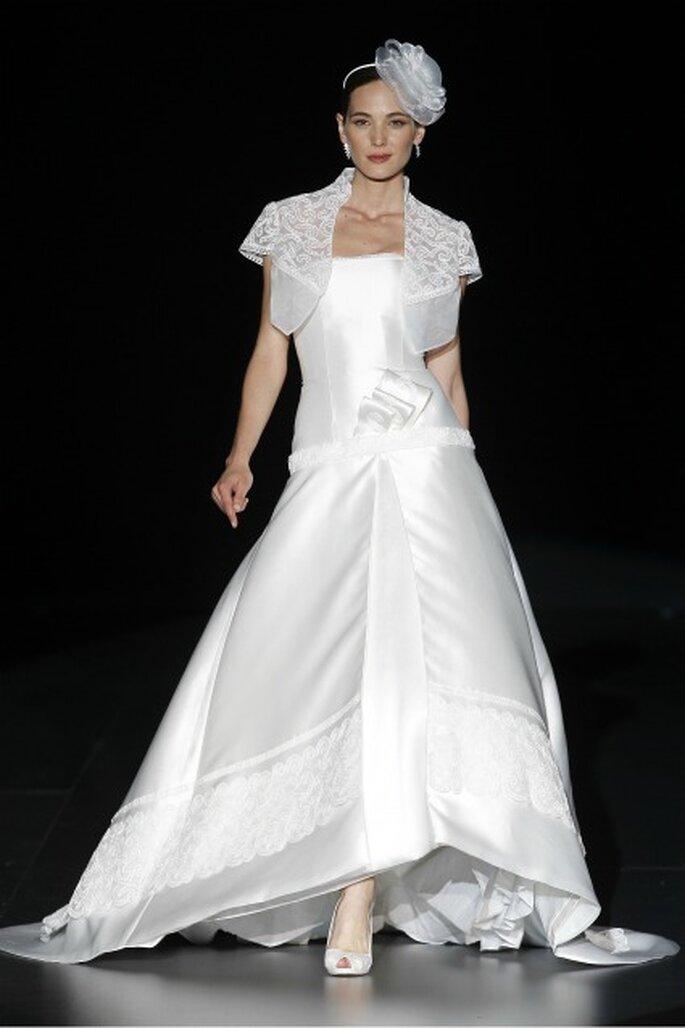 Bordados en el vestido de novia Charo Peres 2012 - Ugo Camera / Ifema