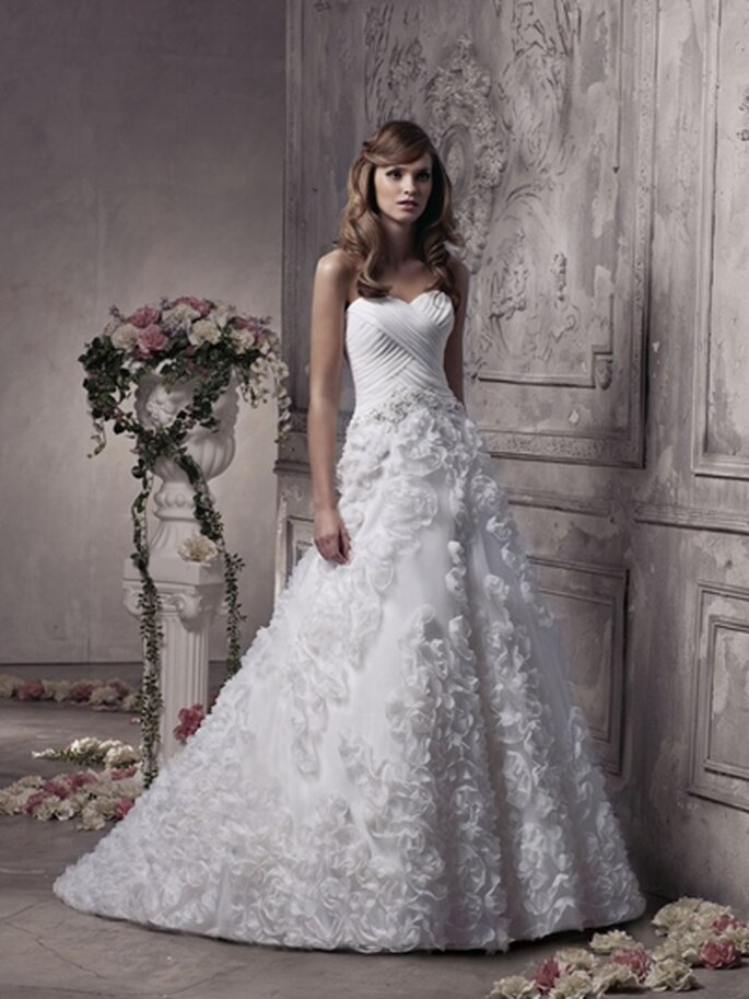 Märchen-Hochzeitskleid von Benjamin Roberts - Modell 2305 - Foto:www.benjaminroberts.co.uk