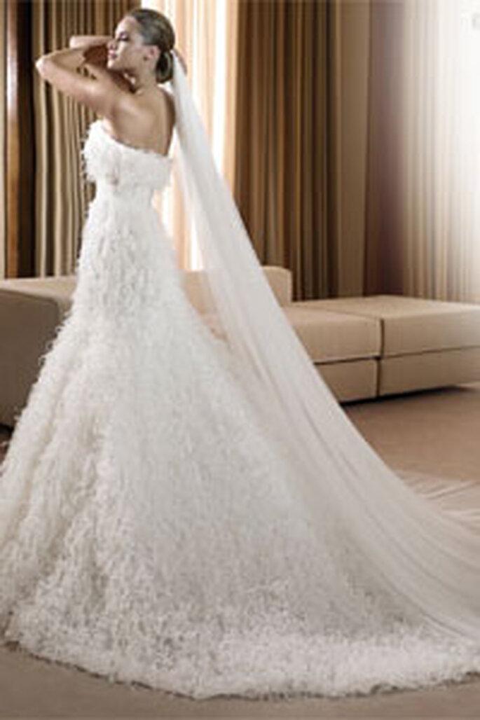 Robe de mariée longue à jupe évasée